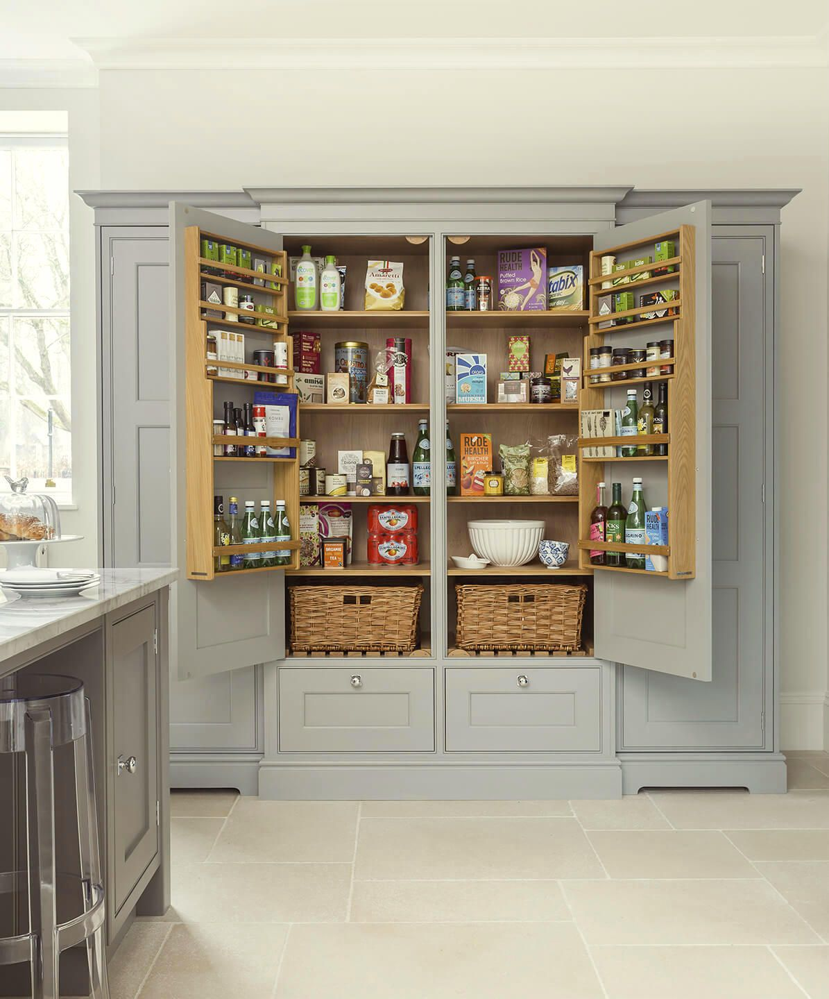 12 Farrow And Ball Kitchen Cabinet Colors For The Perfect English Kitchen Farrow And Ball Kitchen Built In Pantry Kitchen Cabinet Colors