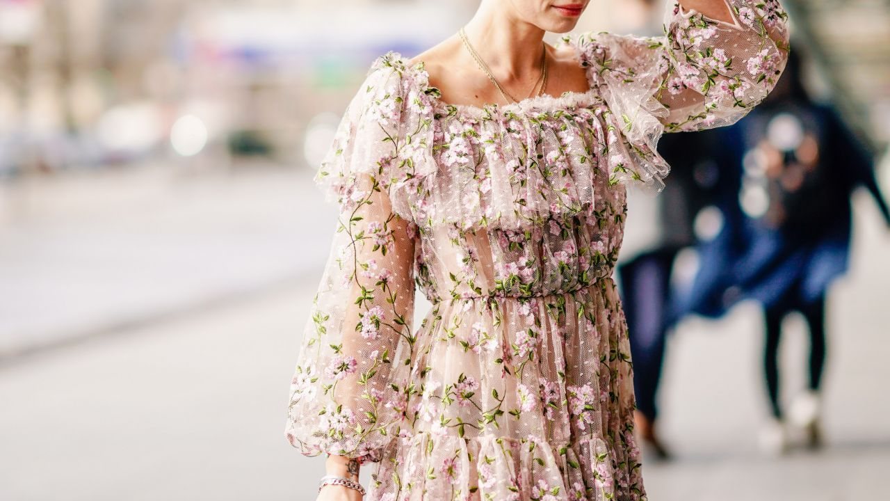Jak Sie Ubrac Na Slub Cywilny Jako Gosc Elle Wedding Trendy Wiosna Lato 2019 Moda Modne Fryzury Buty Manicure Suki Dresses Flattering Dresses Fashion