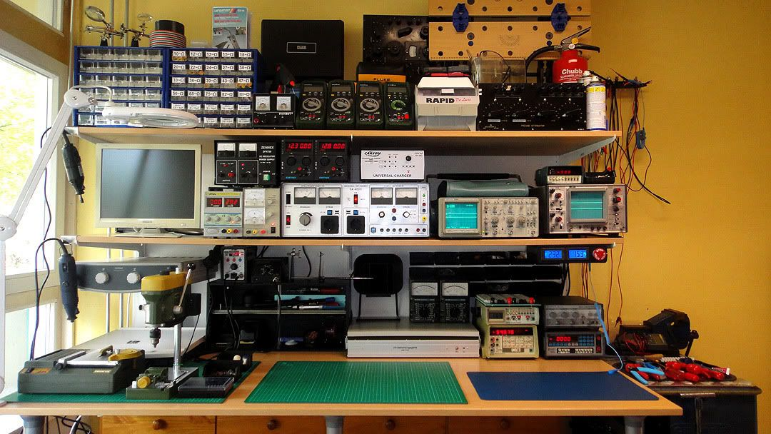 This Photo Was Uploaded By Bl4ckw0lfi3 Electronic Workbench Workbench Electronics Workshop