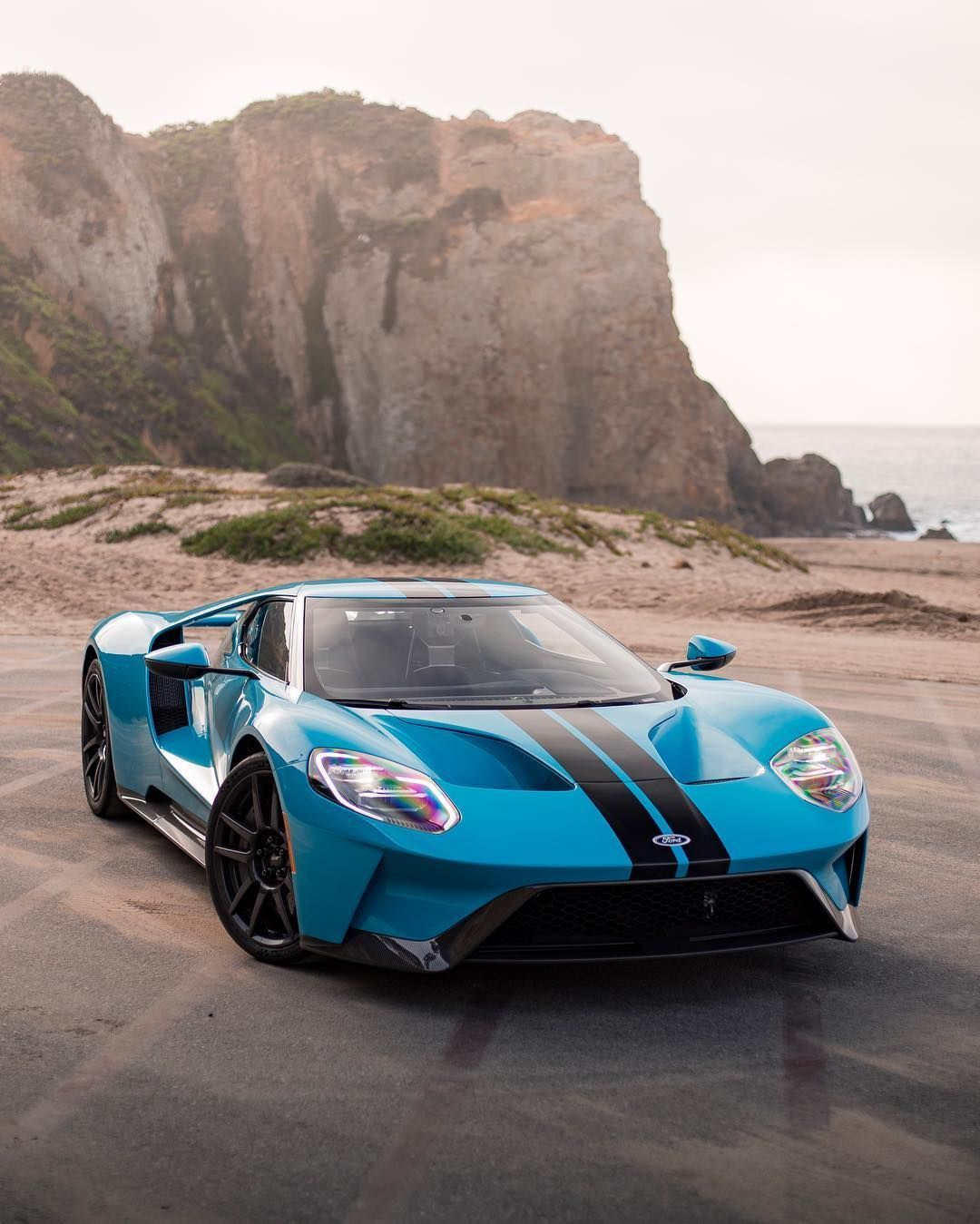 Ford GT <<<Emotional Ford GT encounter...>>>|| FOLLOW @SupercarsBuzz for More || Credits: @one.20th