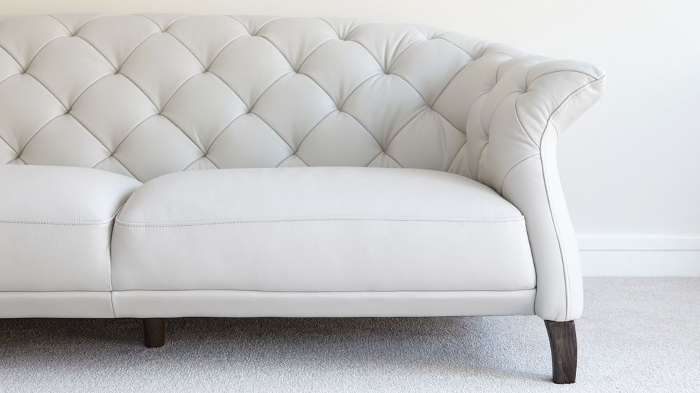 Beautiful Luxe Modern 2 To 3 Seater Leather Chesterfield Sofa