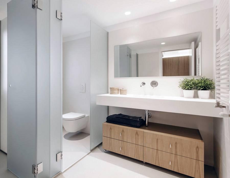 Aunque no todos los baños, por tamaño y arquitectura ...