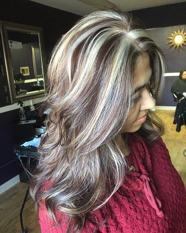 Blonde hair with black chunky lowlights — img 5