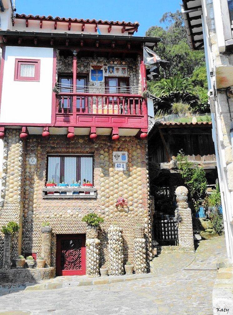 Casa de las conchas en tazones asturias arquitectura fant stica espa a pinterest spain - Casa de asturias madrid ...