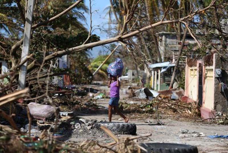 Tropas brasileiras no Haiti atuam em área mais atingida por Furacão Matthew. As tropas brasileiras no Haiti trabalham no envio de comida e remédios...