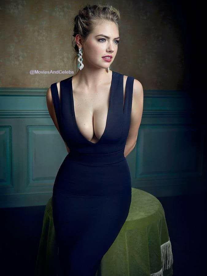 Kate Upton Shows Big Cleavage At 2018 Vanity Fair Oscar