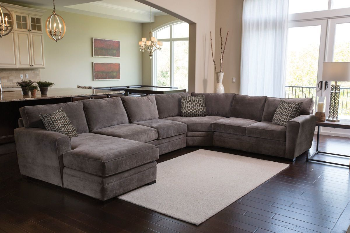 Breeze Right Arm Facing Sectional Louis Living Room Living Room
