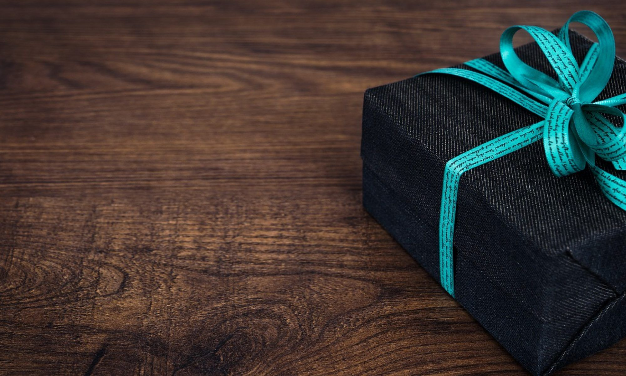 14 Fashionable And Inexpensive Corporate Gifts In ...