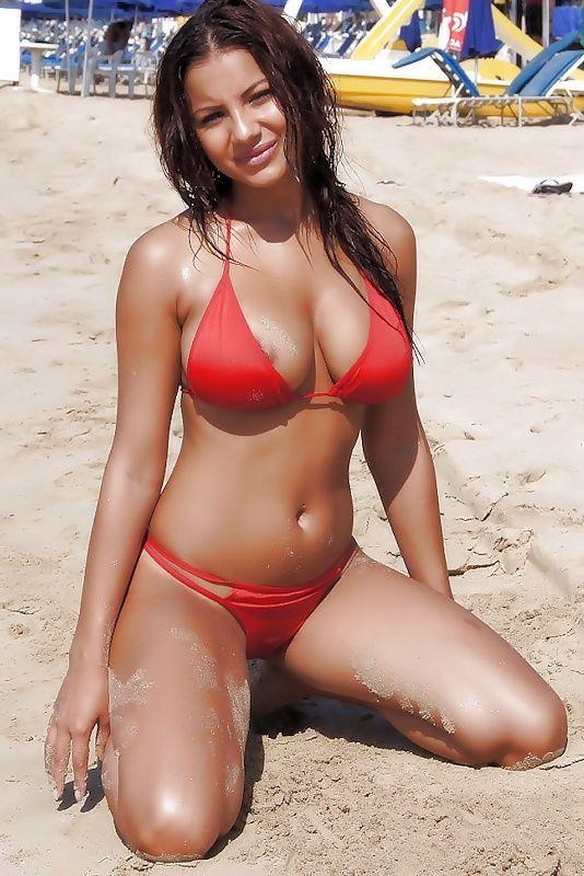 hot-beach-bikini-girls