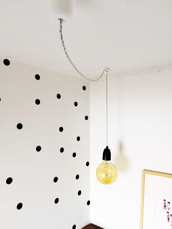 eine oder mehrere lampen an einen stromanschluss mittels. Black Bedroom Furniture Sets. Home Design Ideas