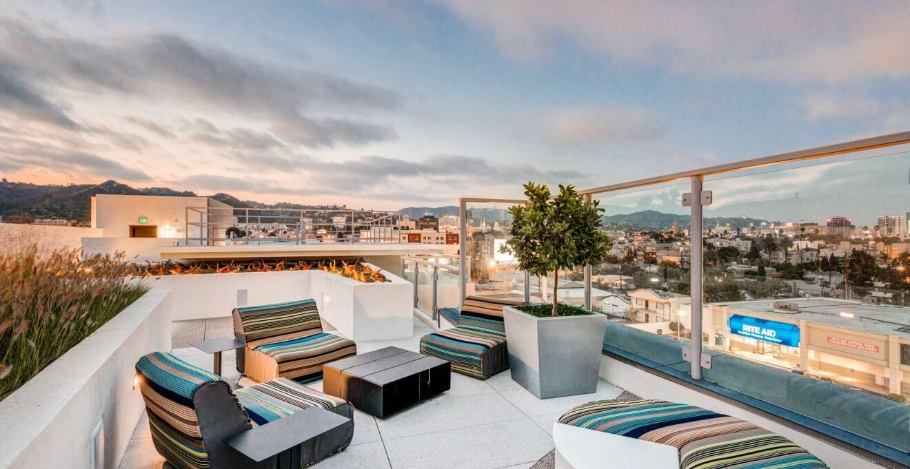Balcony Vacation Apartment In Downtown Los Angeles By Stay City Rentals Excellent Hotel Alternative In Los Angeles Corporate Housing House Rental Two Bedroom
