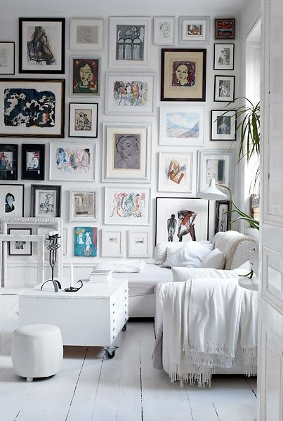 I really LOVE pairing lots of mismatched frames together to fill a ...