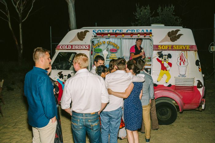 Ice cream Van at wedding | itakeyou.co.uk