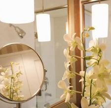 How To Get Light Into A Windowless Bathroom Homesteady Windowless Bathroom Fluorescent Light Small Dark Bathroom