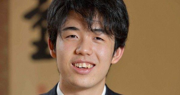 藤井七段が最年少タイトル挑戦を決める 棋聖戦 17歳10カ月20日 - 毎日新聞