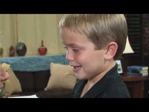 Mãe surda ouve o filho pela primeira vez - http://www.jacaesta.com/mae-surda-ouve-a-voz-do-filho-pela-primeira-vez/