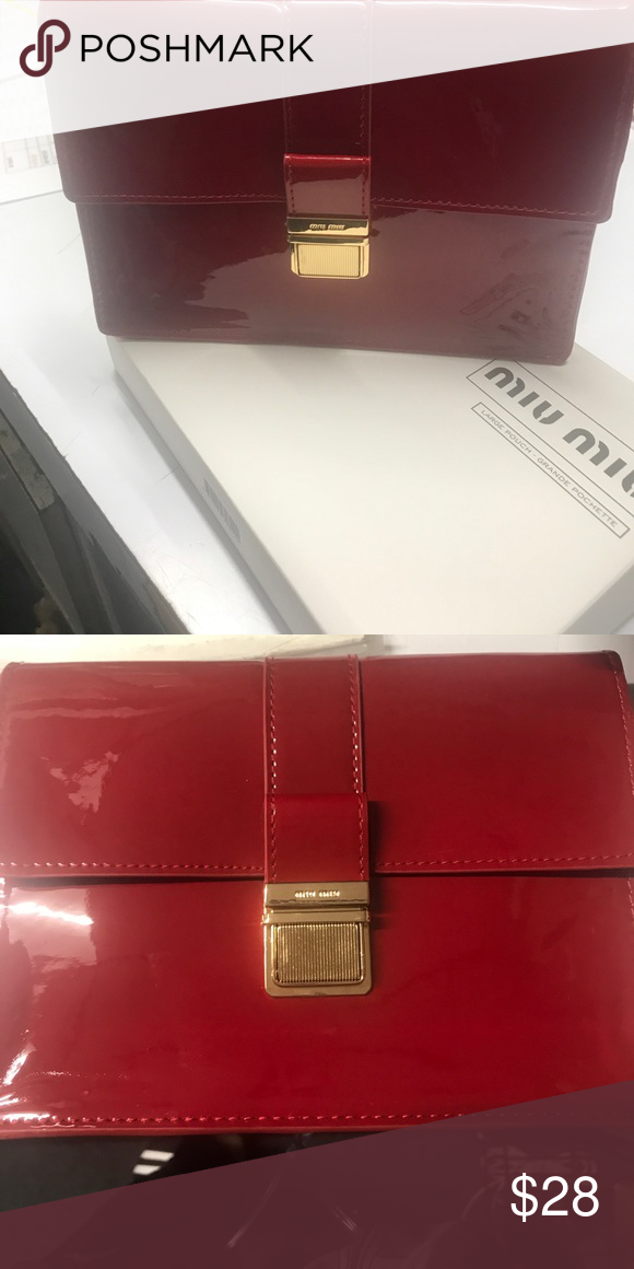 009cbcda13b0 Min Miu Red vinyl clutch or makeup bag This is a complimentary gift by Miu  Miu Authentic Miu Miu perfume cosmetic pouch. Perfume not included.