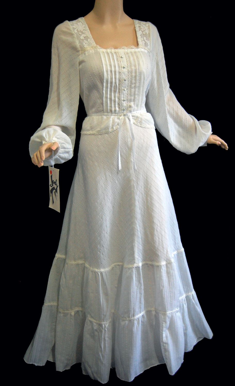 Pin By Pamela Harvey On Wedding Ideas Mini Dress Casual Fashion Pretty Dresses [ 1500 x 912 Pixel ]