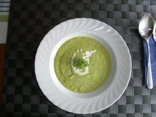 Avocado-Zucchini-Suppe - - Avocado-Zucchini-Suppe - -
