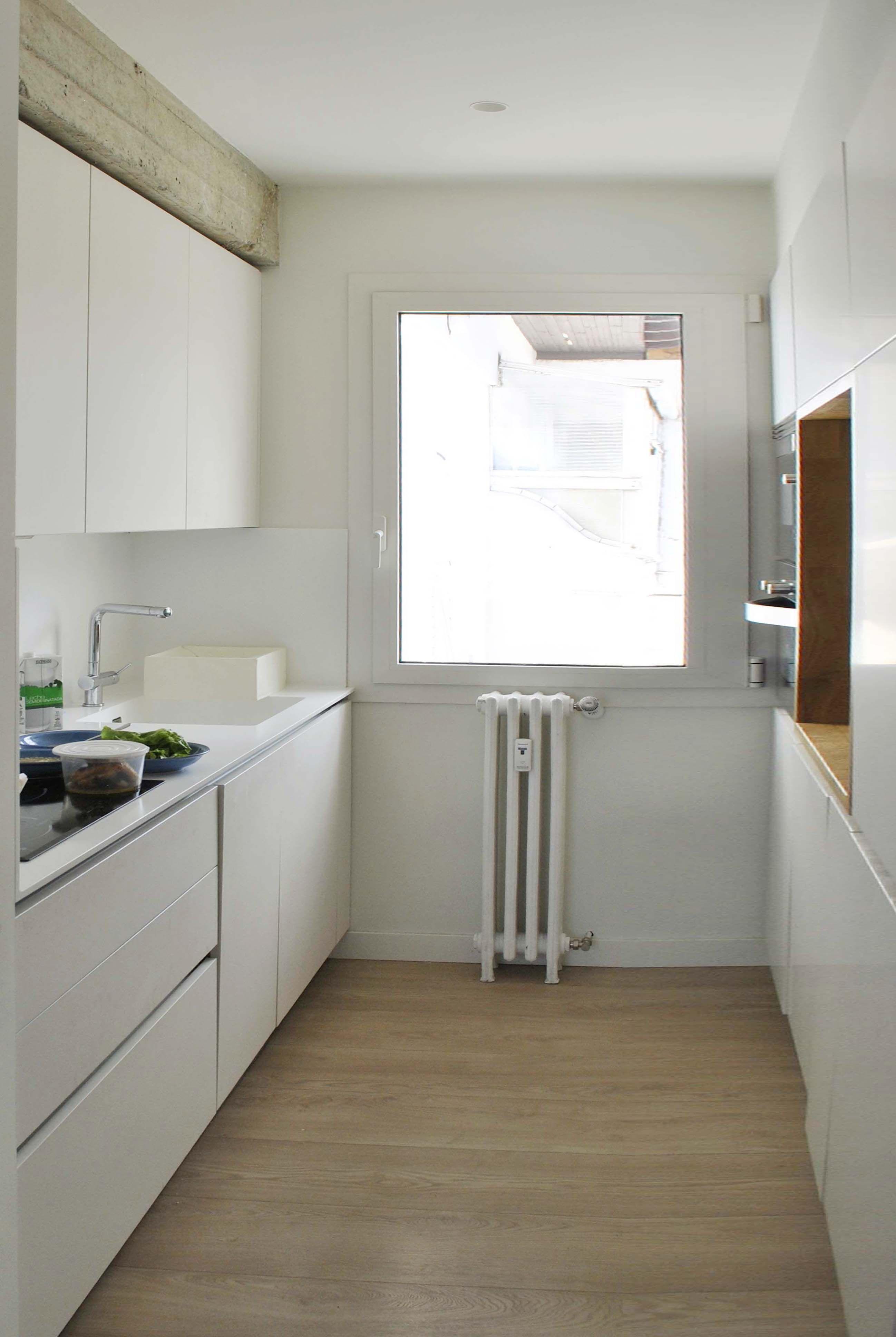 Cocina en paralelo. En 4,5 m2 situamos la zona de trabajo y la ...
