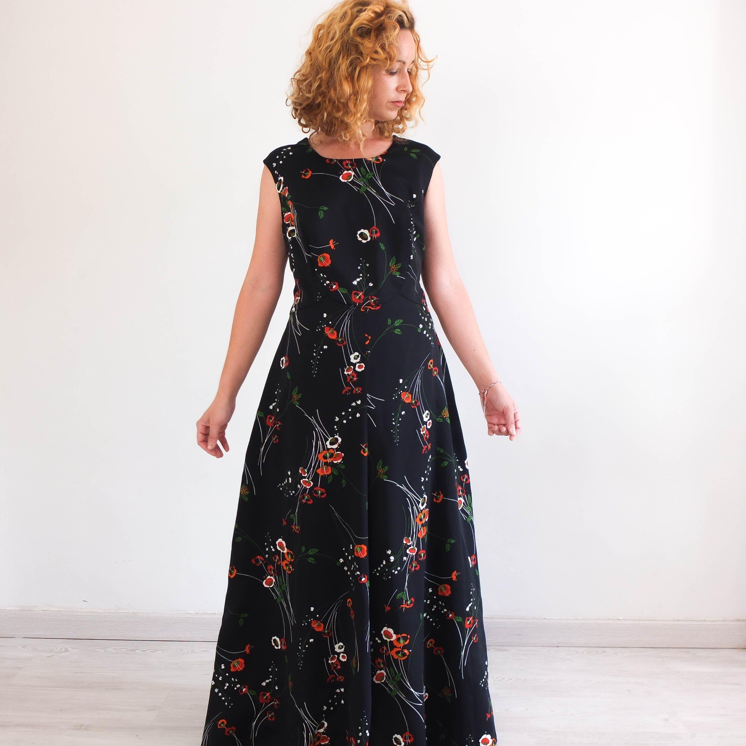 Vintage 70s Black Floral Maxi Dress Plus Size Retro Colorful Etsy Black Floral Maxi Dress Floral Maxi Dress Plus Size Maxi Dresses [ 2992 x 2992 Pixel ]