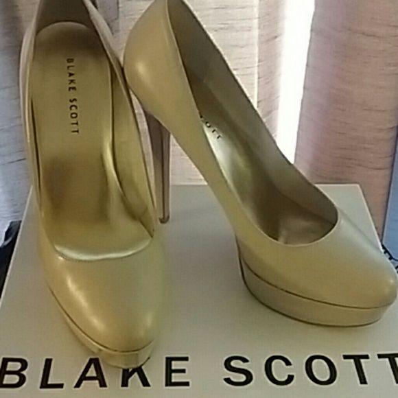 Blake Scott Platform Heels Bone colored Blake Scott platform heels Blake Scott Shoes Heels