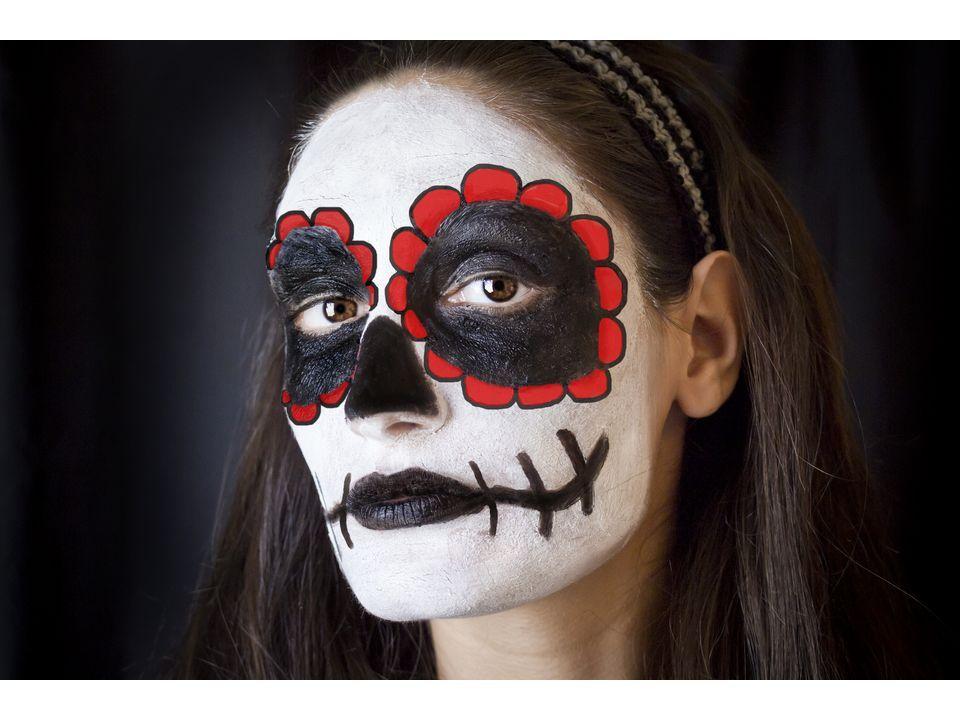 Dia de los Muertos (Day of the Dead) is Nov. 1st! #makeup #diy