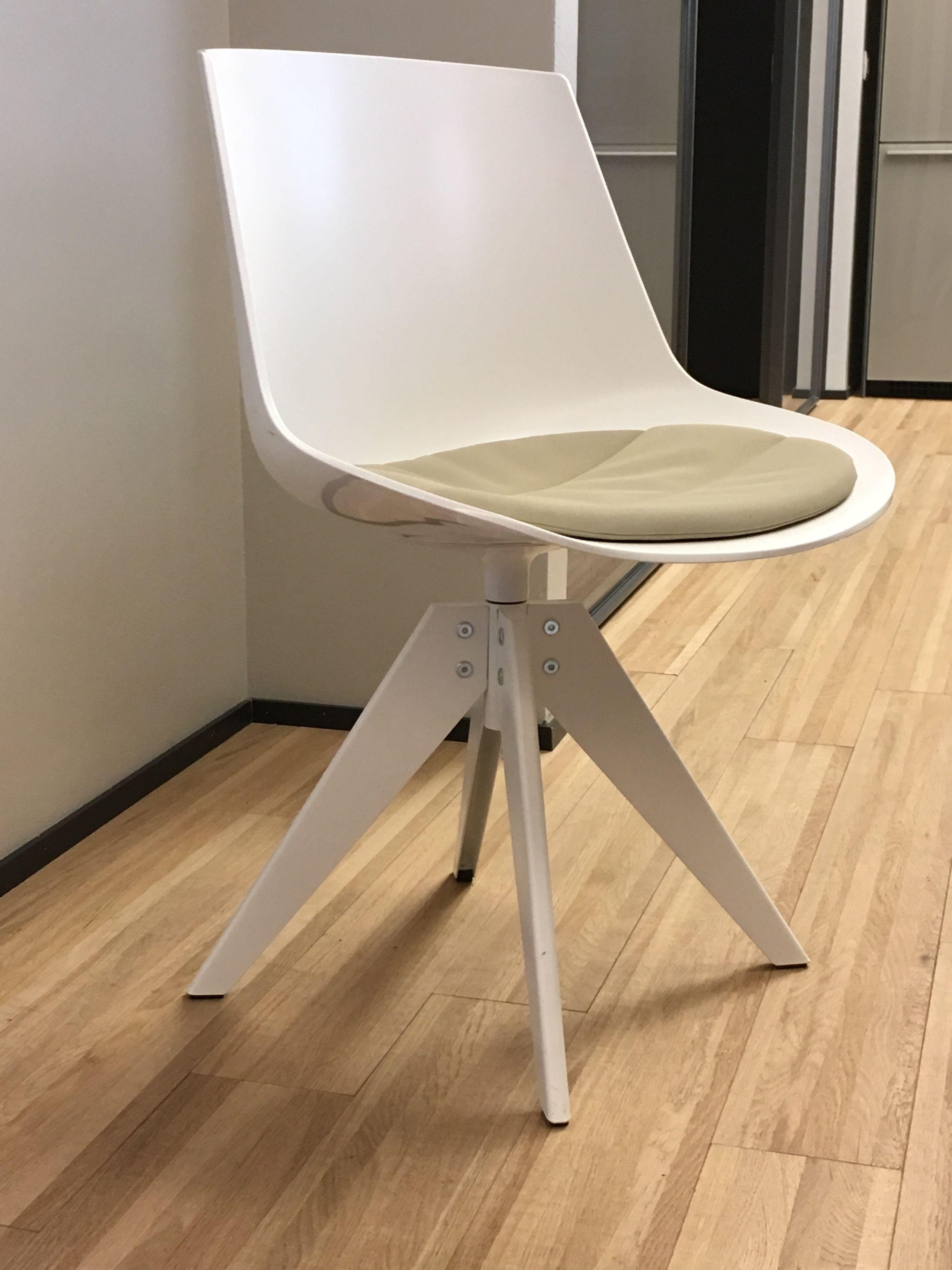 40% _ Sedia Flow Chair con Pad MDF Italia - promo showroom | Esszimmer