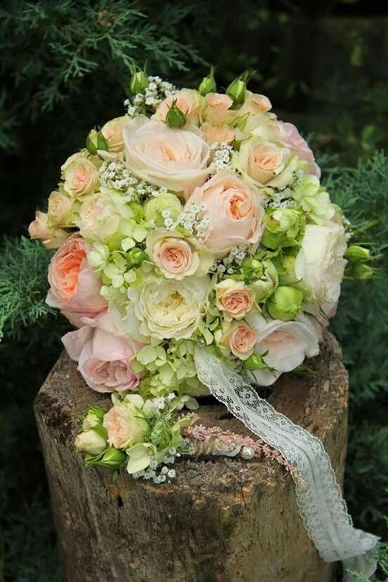 Grun Creme Apricot Brides Bouquets In 2019 Pinterest