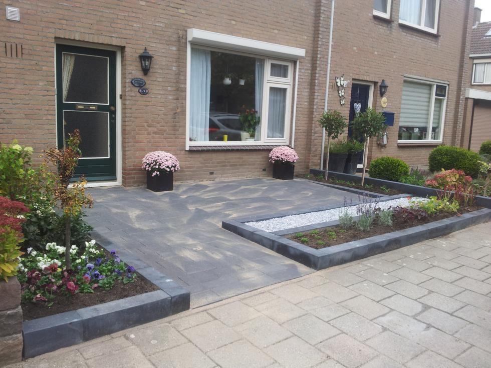 Strak moderne voortuin tuin in garden small