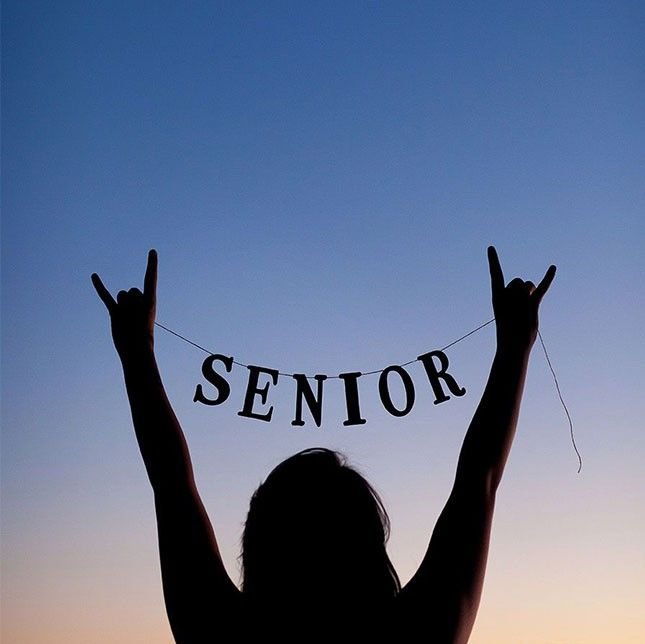 Senior Picture Poses That Will Make You Want To Go Back To