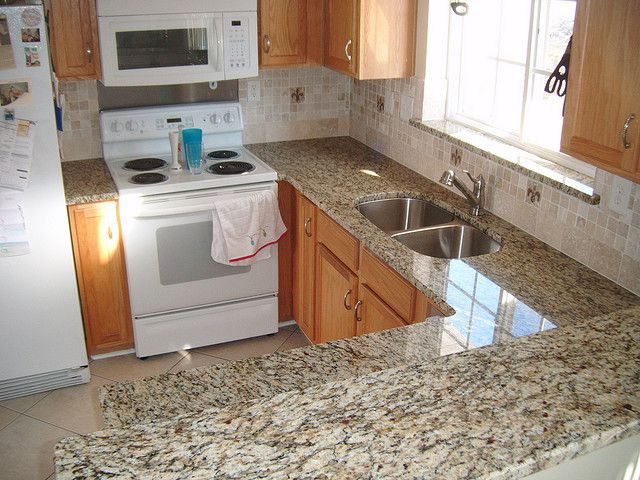 Santa Cecilia base group granite