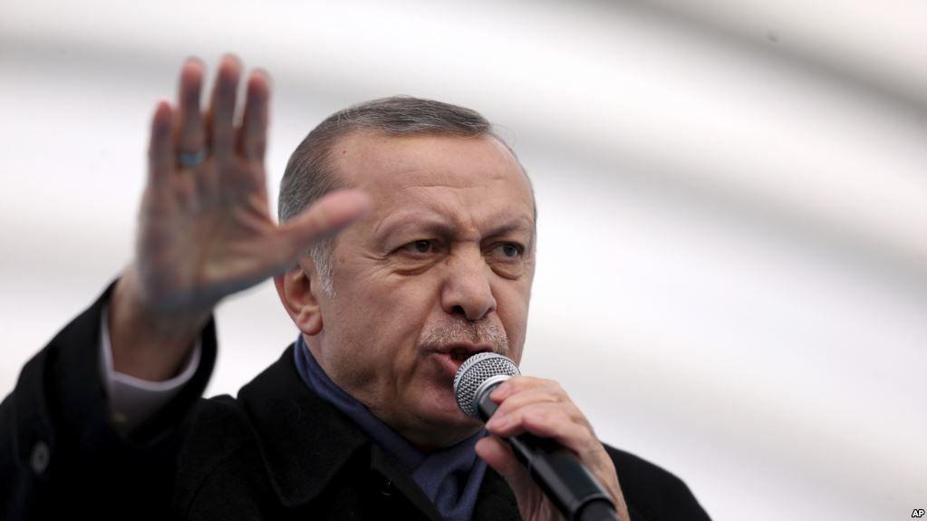 Erdogan está conduzindo a Turquia ao abismo