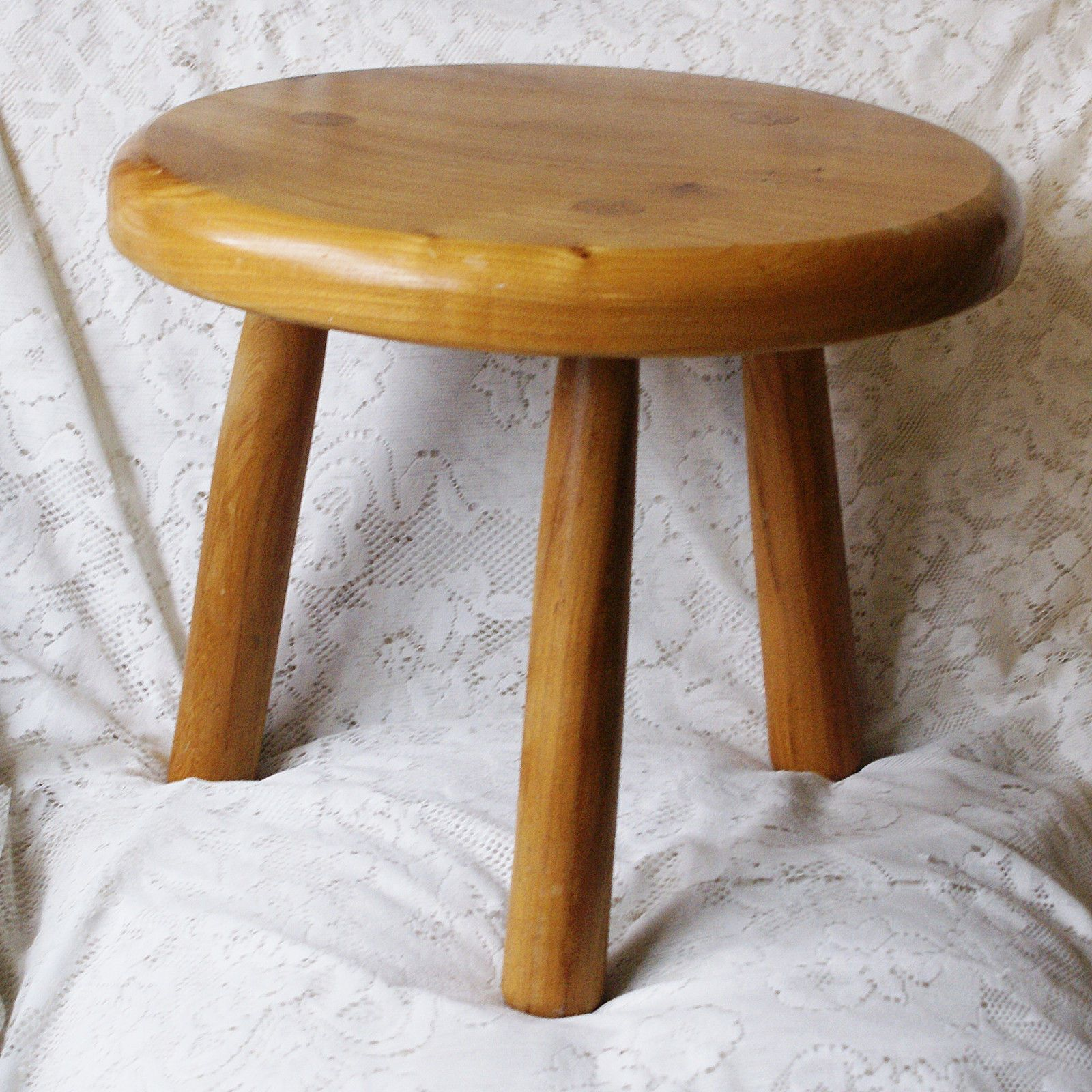 Stupendous A Hand Made Solid Pine Three Legged Small Round Stool It Alphanode Cool Chair Designs And Ideas Alphanodeonline