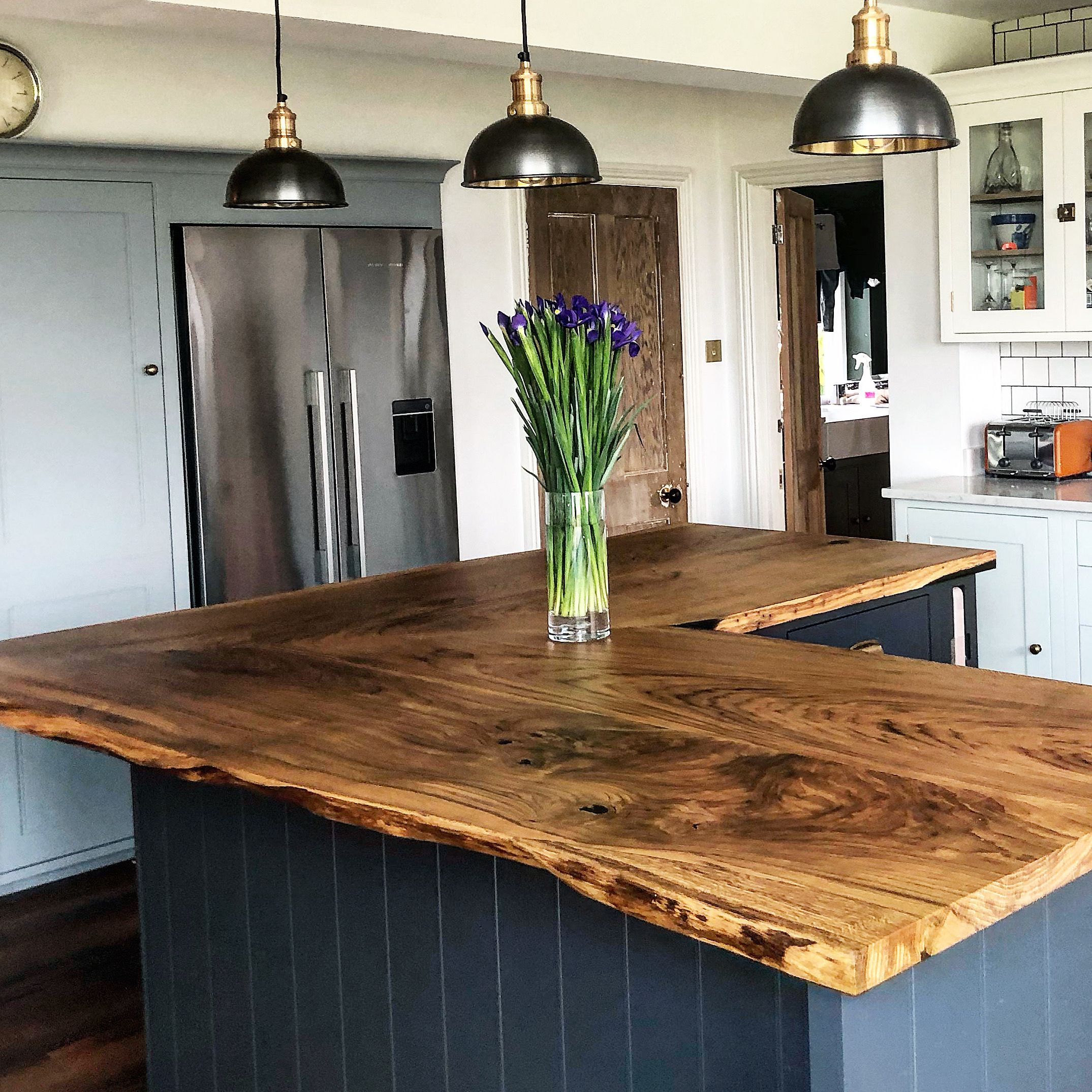 Bespoke Refined Wood Resin Tables & Live Edge Tops in 2020 ...