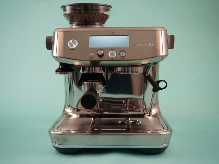 We Spent 9 Months With Breville S 800 Barista Pro Espresso Machine Here S How It Stacks Up To Its 500 Predecessor The Barista Express Espresso Machine Espresso Breville Espresso Machine