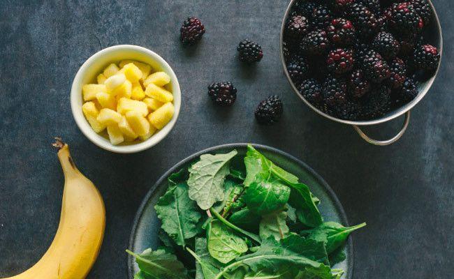 Healthy Blackberry Smoothie #recipe - Kitchen Confidante