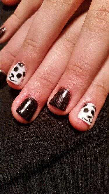 Close-up of panda/chevron gel polish