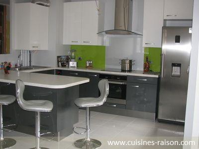 Une cuisine en U avec un coin-repas pour 4 personnes | deco 2016 ...