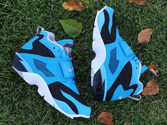 Nike Air Diamond Turf - Black - Wolf Grey - Blue Hero - SneakerNews ... f31a82b38
