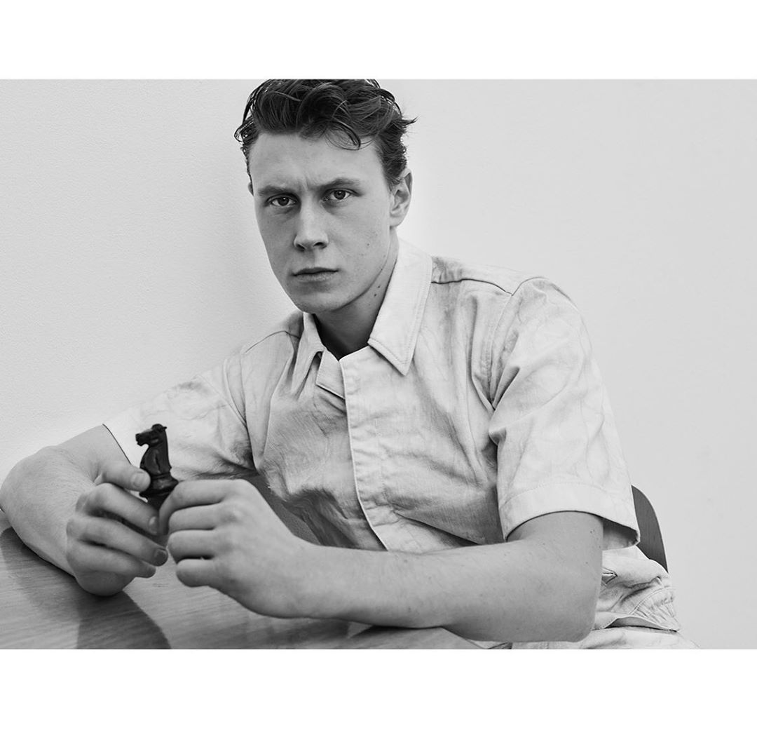 """Roger Rich on Instagram: """"George MacKay for issue #66 @zoomagazine out now!  Art Direction #sandorlubbe  Styling @millermode  Grooming @petransellge  Tailor…"""""""