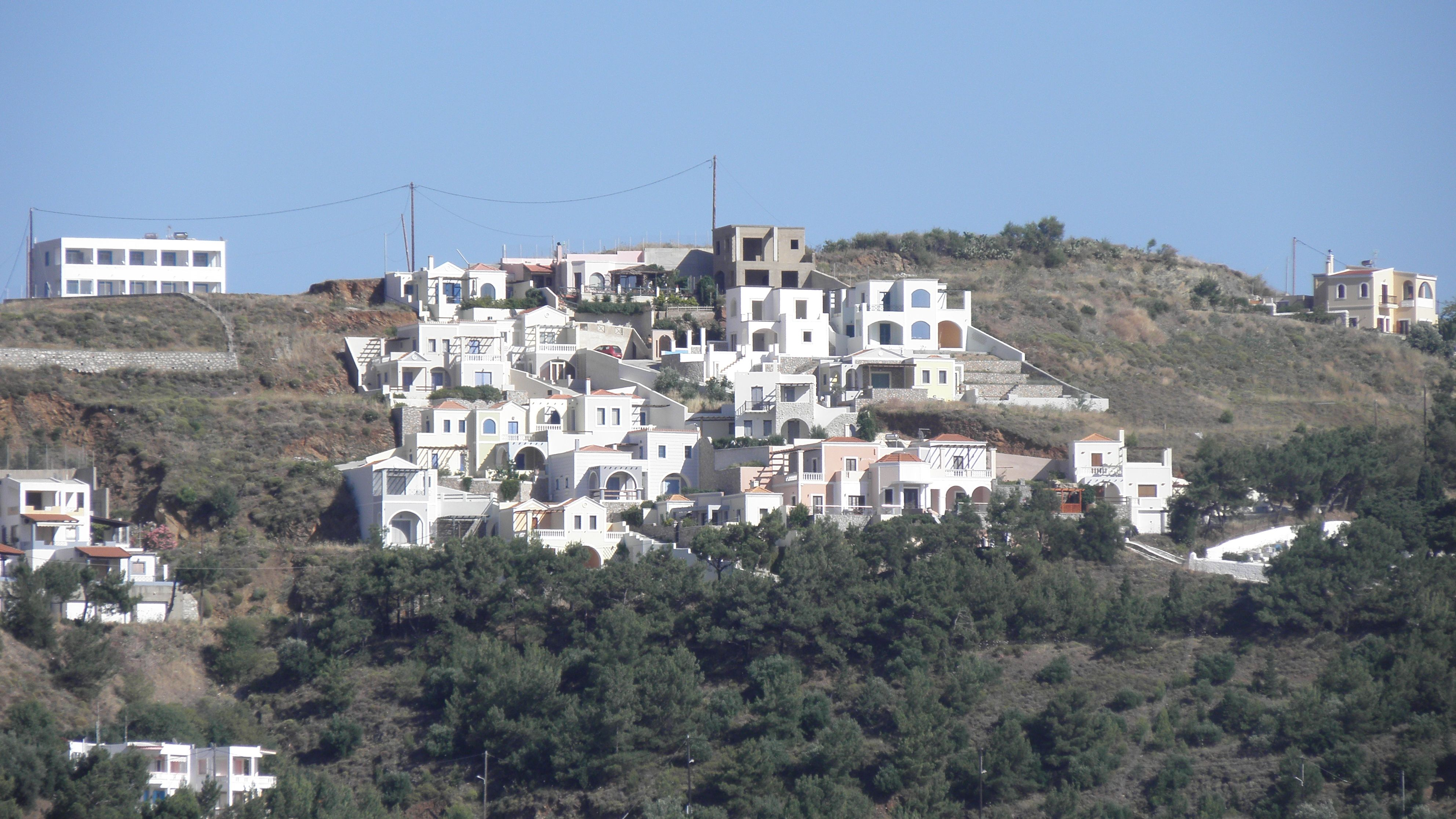 Ikke Helt Faerdig Bydel Pa Bjergside Pa Kalymnos
