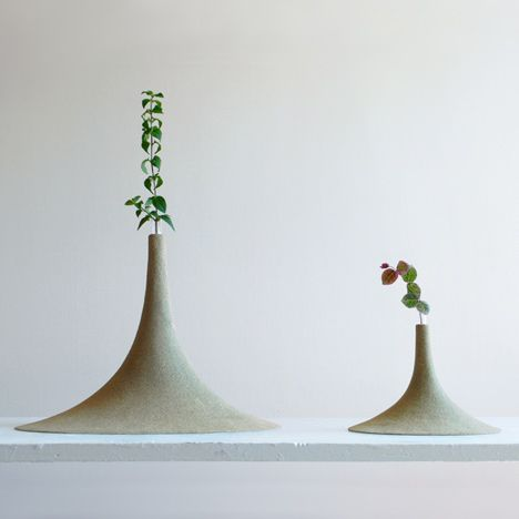 These Vases Made Of Sand Are Shaped According To The Principles Of An Old Japanese Game Sand Vase Unusual Vases Vase Design