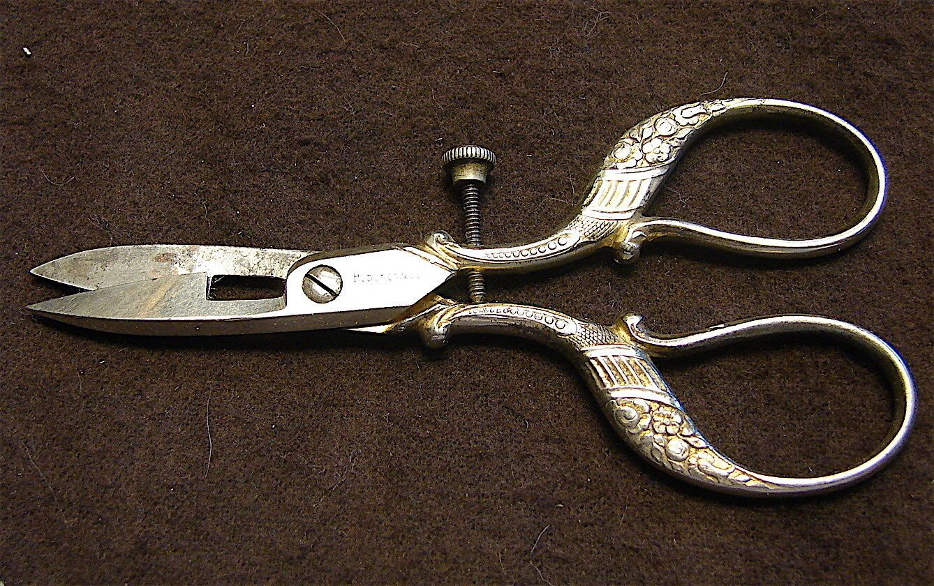 Vintage wiss buttonhole scissors