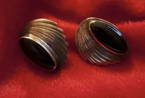 ELEGANT, VINTAGE STERLING SILVER ONYX EARRINGS! WHAT A GREAT HOLIDAY GIFT! For a loved one and one who may finally have a chance to be loved!! EVERY CENT from the purchase price of earrings goes to feed, vet or save an urgent rescue dog! Please check it out!!