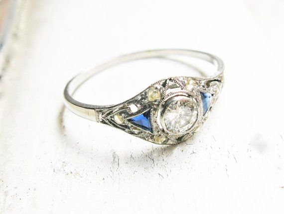 Vintage Supper Stunning Art Deco Diamonds And Sapphire Platinum