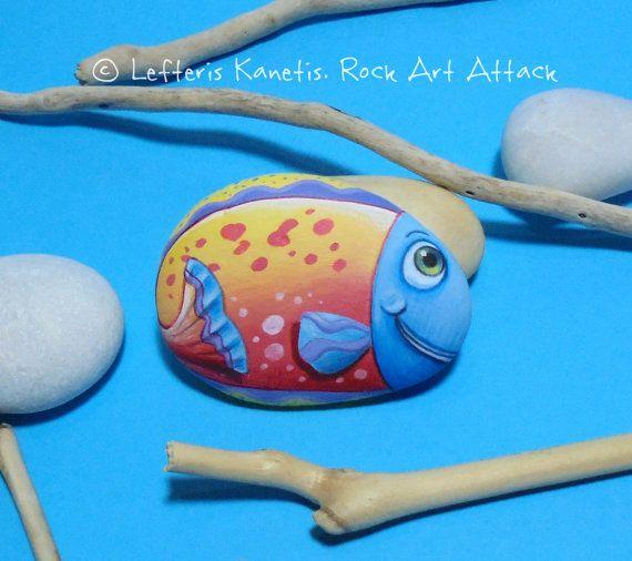 Mano dipinta Pebble felice coloratissimi pesci di RockArtAttack