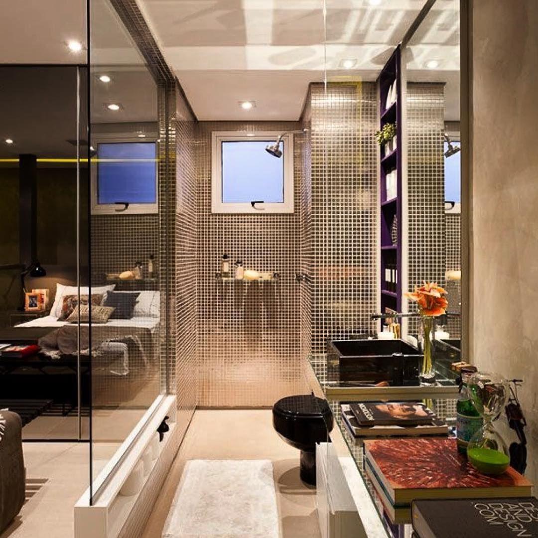 Banheiro Integrado Ao Quarto Atrav S De Um Painel De Vidro Incolor  ~ Quarto Integrado Com Banheiro E Modelo De Quarto De Casal
