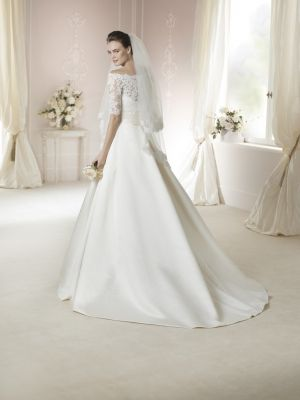 a191382a80b5 White One 2015 - Category: JANAIS - Image: JANAIS-B - De La Vida Bridal  Couture & Wedding Dresses