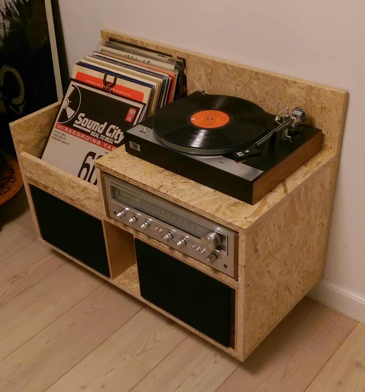 my homemade osb record player storage furniture records record player osb diy vintage. Black Bedroom Furniture Sets. Home Design Ideas